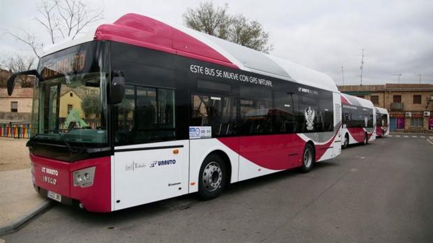 Toledo incorpora dos nuevos autobuses de gas natural a su flota