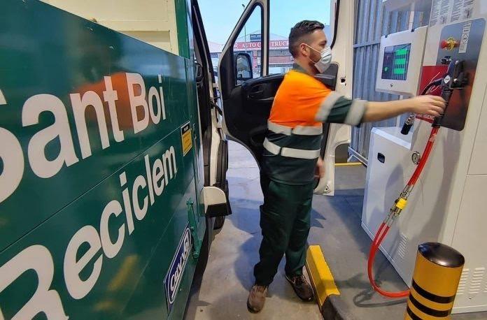 Sant Boi de Llobregat apuesta por el GNC e inaugura una gasinera