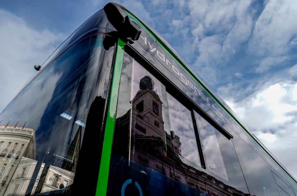 Madrid pone en servicio un nuevo autobús propulsado por hidrógeno en su área metropolitana
