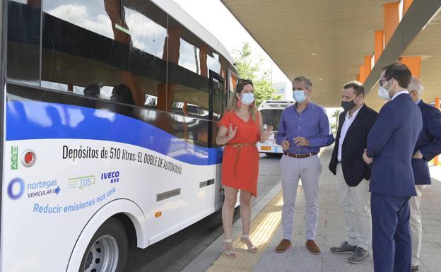 Santander prueba un microbús propulsado por gas natural comprimido